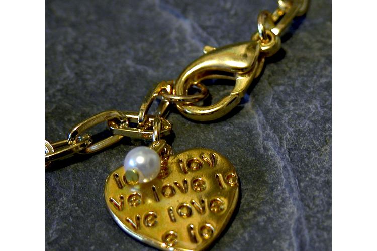 צמיד לב, צמיד LOVE, צמיד מזל, צמיד חוליות עם לב ופנינה,