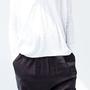 מכנסי מאיה מבריקים, מכנסיים שחורים, מכנסיים אפורים עם גומי וכיסים, מכנסיים ארוכים, מכנסיים נוחים ויפים