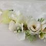 סיכת פרחים לשיער | סיכה לראש | סיכה מעוצבת | סיכה מפרחי משי | סיכת פרחים לכלה | אקססוריז לשיער | סיכות לכלות | אקססוריז פרחים| סיכה לבן ירוק