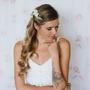סיכה לבנה | סיכה לכלה | סיכה לבנה לשיער | סיכות לכלות | סיכה מעוצבת | סיכה לחתונה | אקססוריז לשיער | סיכת פרחים | סיכה מפרחי משי