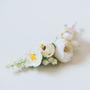 סיכה לכלה | סיכה מפרחים | סיכה מעוצבת | סיכה מפרחי בד | סיכה לבנה | סיכה יפה לכלה | סיכות מעוצבות | סיכות פרחים | סיכה בהתאמה אישית | סיכה