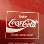 מגש קוקה קולה וינטג' סבנטיז 20% הנחה | מגש פח קוקה קולה וינטג' שנות ה70'