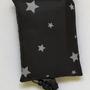 תיק קניות רב פעמי וידידותי לסביבה שחור עם הדפס כוכבים לבנים