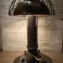 מנורת שולחן בעיצוב יחודי