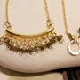 שרשרת זהב בשילוב אבני ג'ייד ירוקות