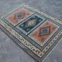 שטיח צמר עבודת יד פרסי תורכי קווקזי גודל 176/131 עתיק ויפה קלאסי לעיצוב הבית לסלון המשרד הצימר