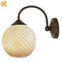 (GW008) מנורת קיר זרוע פליז מושחר עם אהיל זכוכית כדורי יפייפה ,בגוון אמבר מוזהב.