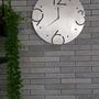שעון קיר בצבע כסף   XL40CM   Moon