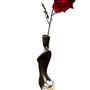 """אגרטל גבוה -אישה בחצאית. עבודת יד. צבע אפור כהה וצהבהב עם פרחי קמומיל בלבן מק""""ט 1029"""