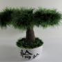 עץ בונסאי סרוג בעבודת יד כולל 8 ענפים סרוגים בתוך כלי סיני עתיק