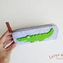 קלמר / נרתיק למשקפיים עם תנין תפור בעבודת יד