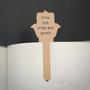 מתנות למורה לסוף שנה - מתנה לגננת - סימניה בעיצוב אישי עם חריטה