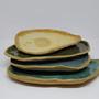 צלחות מקרמיקה, צלחות הגשה מקרמיקה, מגשי גבינות מקרמיקה, צלחות רב שימושיות