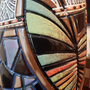 """אגרטל גדול בעבודת יד. צבע חום מט דמוי שיש מעוצב בחריטת עלים צבעונים. מק""""ט 1182"""