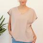 חולצה ורודה אוברסייז I חולצת גלביה פודרה עם דפוס גאומטרי